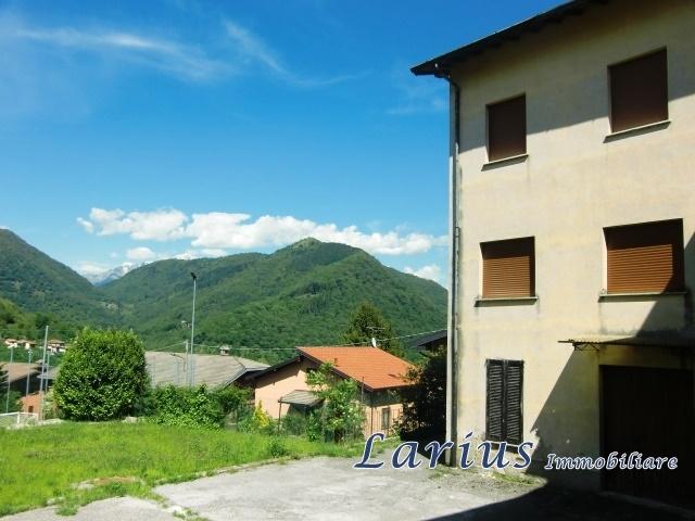 Casa Indipendente vendita REZZAGO (CO) - 7 LOCALI - 700 MQ