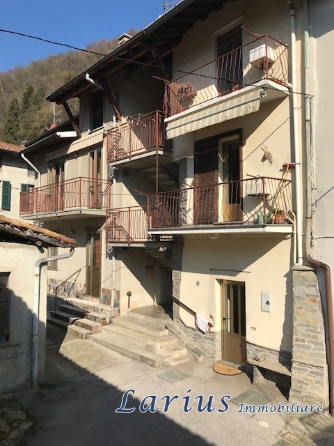 Casa Semindipendente in Vendita Valbrona